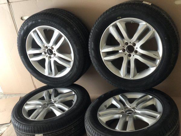 Джанти комплект с гуми за модела X166 GL / GLS